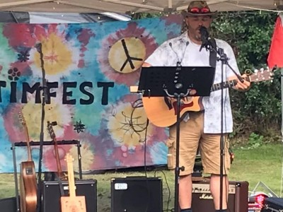 Gary playing at TimFest